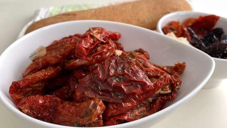 Pomodori secchi, la ricetta tipica siciliana