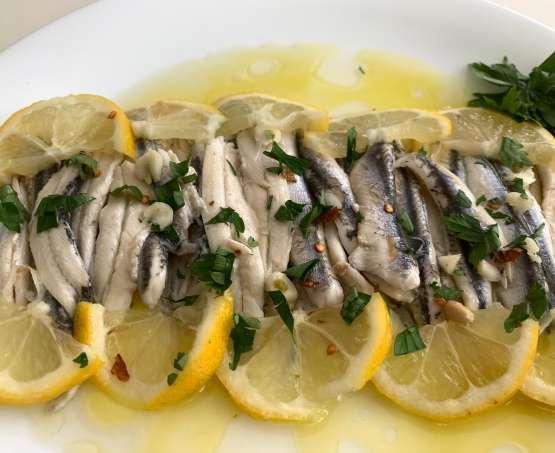 Alici crude al limone, tradizione dai tempi di Omero