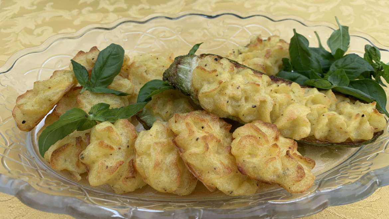 Zucchine ripiene di patate al limone, un contorno mediterraneo